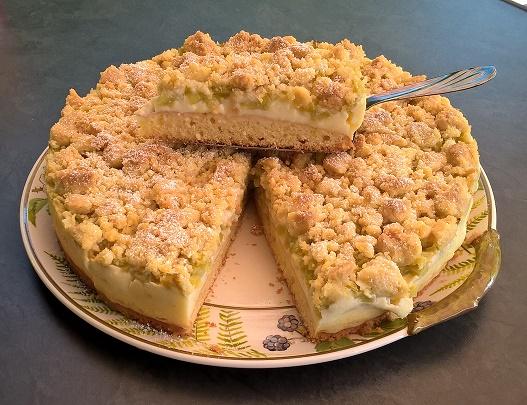 Rhabarber- Streuselkuchen