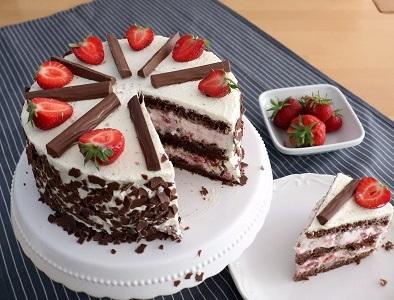Erdbeer- Jogurette- Torte
