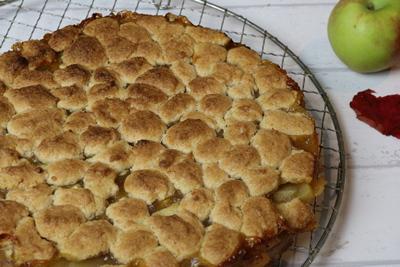 Apfel-Pudding Streuselkuchen