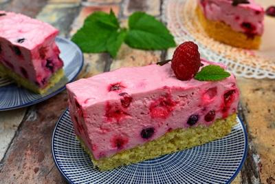 Beeren-Frischkäse-Torte